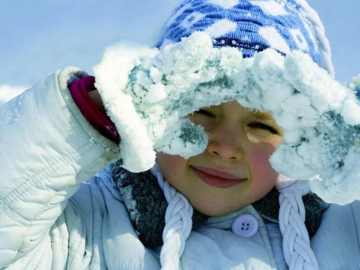 девочка снег