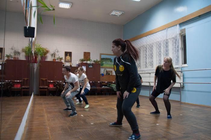 Сейчас в студии занимаются 70 человек в шести группах, есть отдельные группы для танцев и фитнеса. Фото Анастасии Вереск
