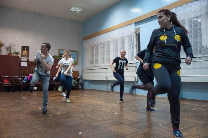 Направление современного танца, которое преподает Андрей, уникальное для Новолукомля. Фото Анастасии Вереск