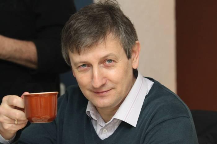 Алкоголь не пьёт, а кофе - в самый раз. Фото со страницы Ярослава Романчука«ВКонтакте»