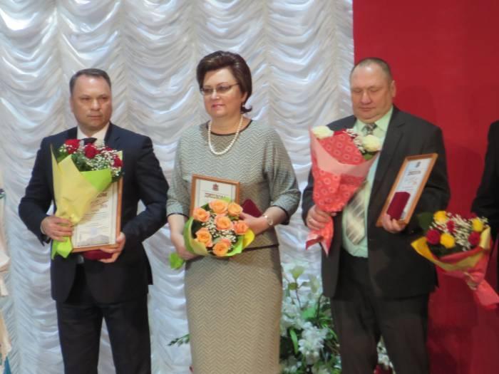 На передовой туристической сферы. Менеджер Поднебеснова Е.Г. (в центре). Фото: Аля Покровская