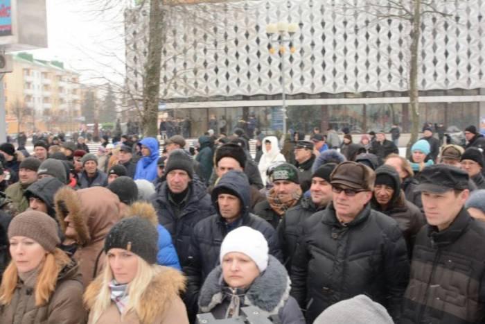 В Барановичи поддержать акцию протеста приехали из разных регионов. Фото: BELSAT.EU