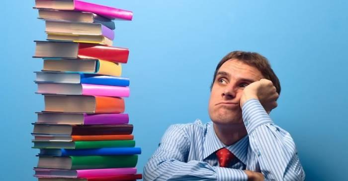 Может ли учитель выбирать, по какому учебнику учить детей? Фото delfi.lv