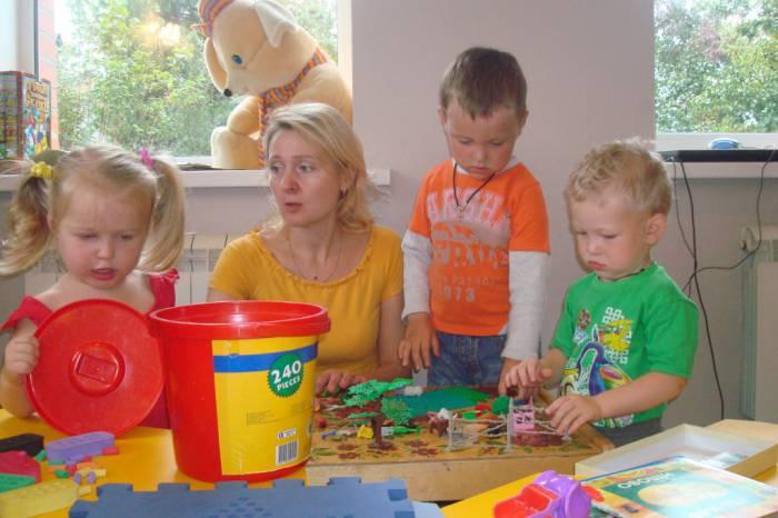 Игрушки для детского садика многим родителям приходится покупать самим. Фото mird.ru