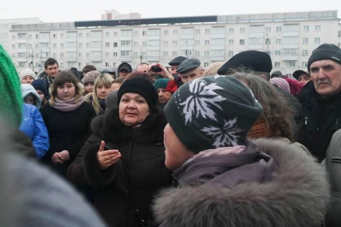Пенсионеры с болью в голосе рассказывали о своих доходах. Фото Анастасии Вереск