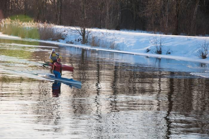 Когда лед растаял, жизнь на водоемах закипела. Фото Анастасии Вереск