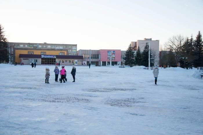 Центр Новолукомля - это площадь. Фото Анастасии Вереск