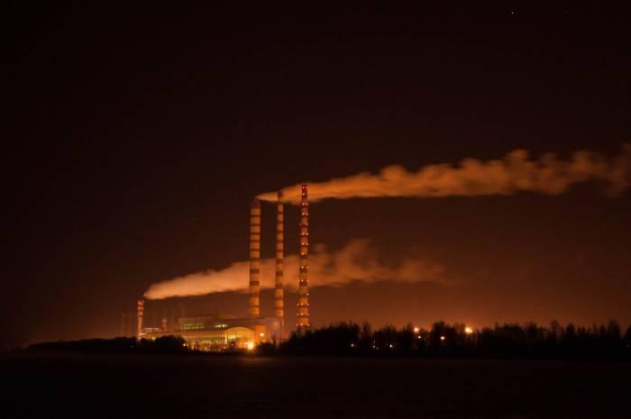 Лукомльская ГРЭС ночью. Фото Анастасии Вереск