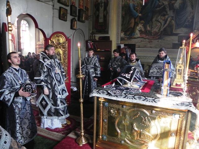 В этот день в храмах совершается литургия преждевременных даров. Фото pravoslaviepoltava.ua