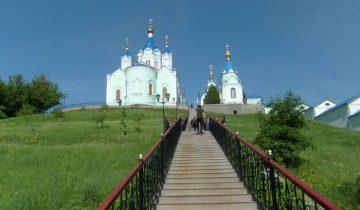 Дорога к храму. Фото: http://fotokto.ru/photo/view/3725311.html