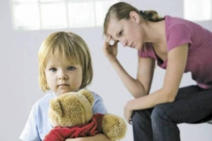 Одниким мамам особенно нелегко: ведь нужно думать не только о себе, но и о детях. Фото antifashist.com
