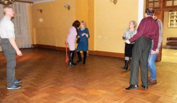 Куда пойти тем, кому «за 30 лет»? Дискотека в Витебске. Фото Евгения Москвина