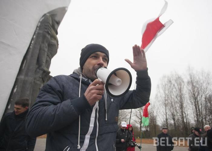 Люди выступают против декрета. Фото: belsat.eu