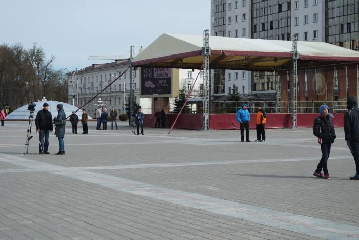 На площади Победы 12.10. Фото Анастасии Вереск