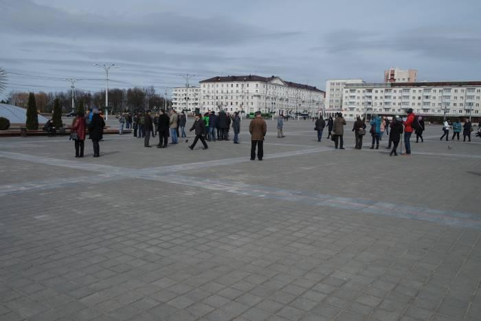 На площади Победы 12.20. Фото Анастасии Вереск