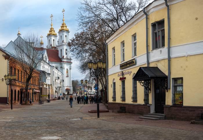 Путеводитель по улице Толстого, где жил врач, про которого распускали страшные слухи