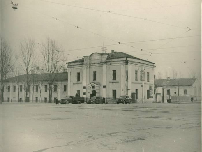 """Здание бывшего архиерейского дома 1966 год. Фото из группы """"Таямніцы Віцебска"""" Вконтакте"""