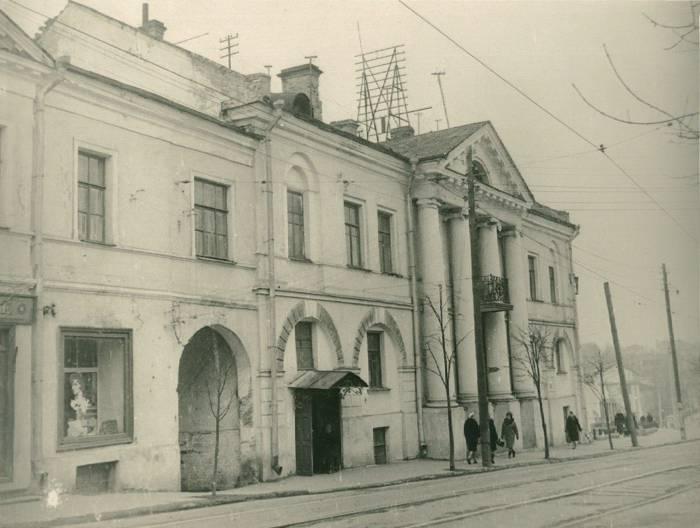 """Здание бывшей губернской типографии 1960-е годы. Фото """"Таямніцы Віцебска"""" Вконтакте"""