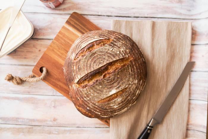 Как приготовить свой собственный нестареющий хлеб за копейки
