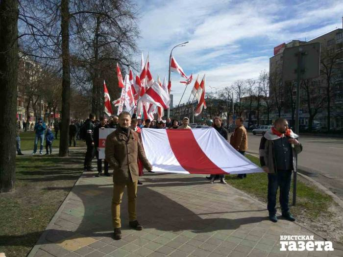 Протестующие в Бресте. Фото: b-g.by