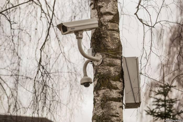 Камеры наблюдения установили за день до акции протеста. Фото: svaboda.org