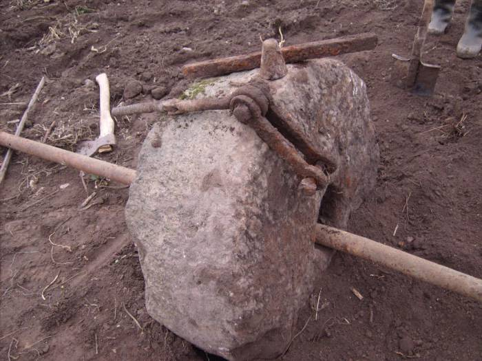 камень2