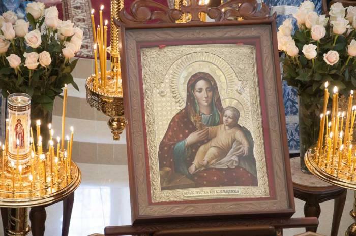 Козельщанская икона Богоматери считается одной из самых чудотворных. Фото foma.in.ua