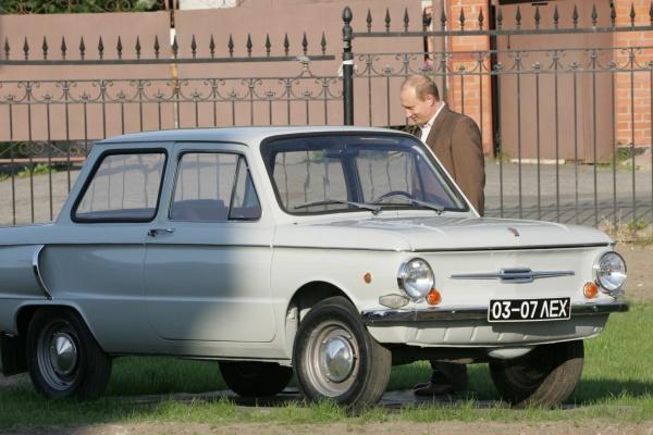 В 1974 году Путин выиграл в лотерее автомобиль. Фото: luxfon.com
