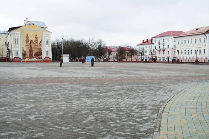 Площадь в 12.07. Фото Анастасии Вереск