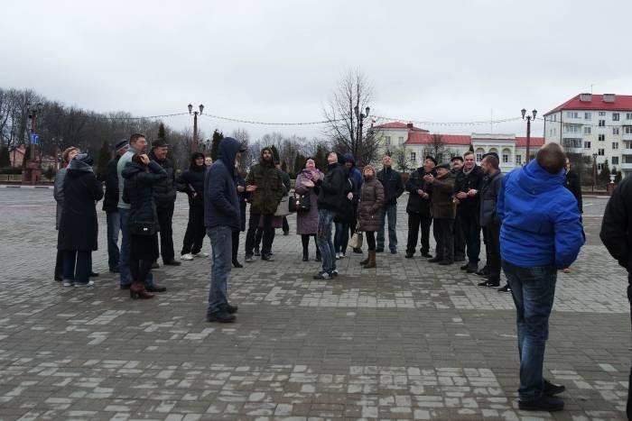 Даже дрон над площадью Свободы вызывал у людей позитивные эмоции. Фото Анастасии Вереск