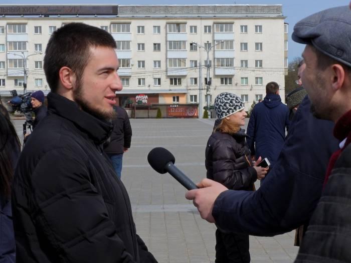 Артем на акции 25 марта в Витебске. Фото Светланы Васильевой