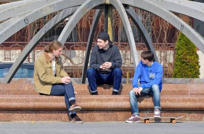 Молодежь «зажигает» в Витебске на площади Победы. Фото Светланы Васильевой