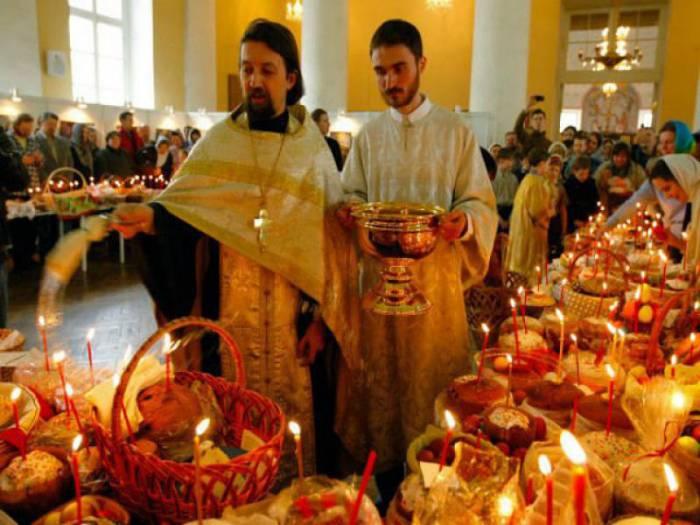 В субботу в храмах освящают пасхальные блюда. Фото fotostrana.ru