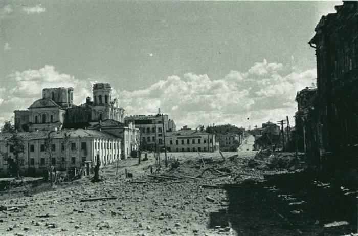 Площадь Свободы после освобождения Витебска. Июнь-июль 1944 года. Фото evitebsk.com