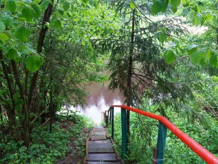 Удобный спуск к реке. Фото усадьбы Вконтакте
