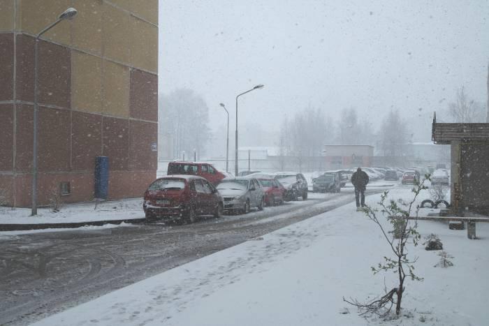 Снег на улице Правды. Фото Анастасии Вереск