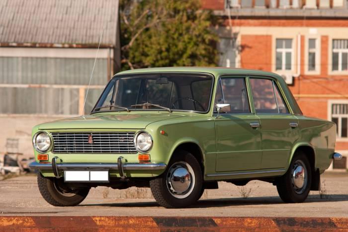 Многие до сих пор с нежностью вспоминают «копейку» - свой первый автомобиль, рабочую лошадку. Фото auto-database.com