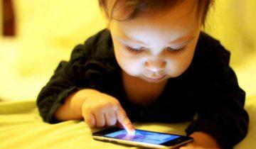 ребенок телефон