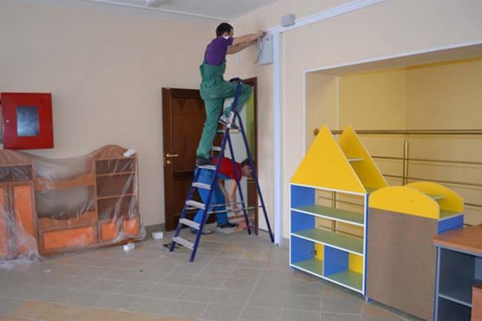 Нередко родители делают ремонт в группе в качестве подарка. Фото sportlife76.ru