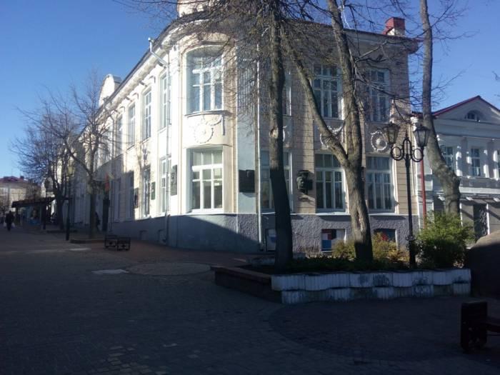 суворова, маяковского