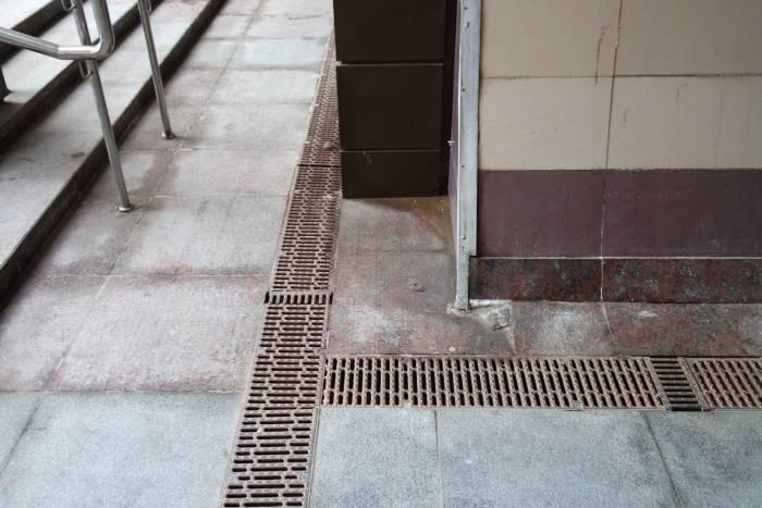 Ливневая канализация. Фото Владимира Боркова
