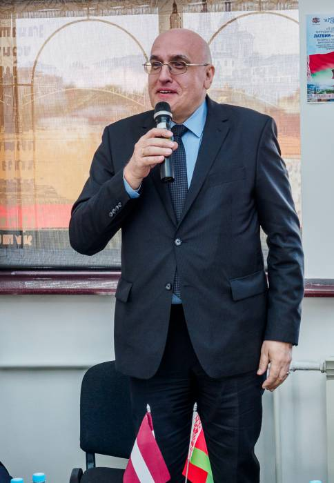 посол Латвии