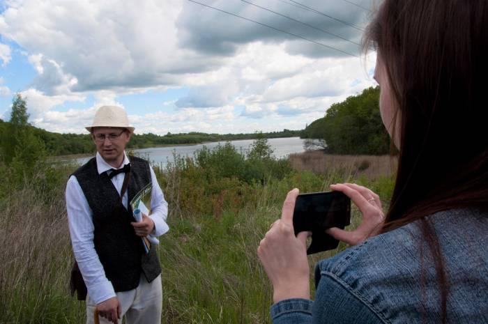 Справа на берегу Летчанского озера находились террасы Владимира Адамова. Фото Анастасии Вереск