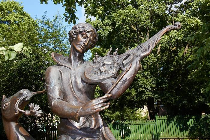 памятник Шагал