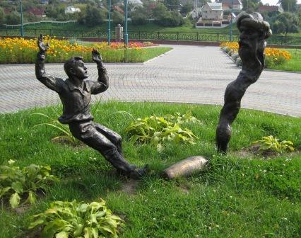 Хоттабыч и Вовка в центральном парке отдыха в Орше. Фото Пуфик*. Источник eva.ru