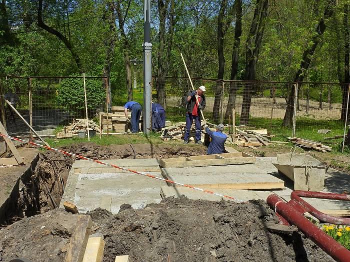 фонтан строят