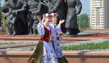 праздник на площади Победы