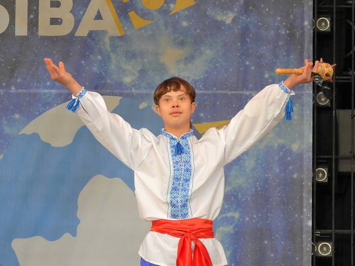 Артем Аликсиенко из Одессы награжден дипломом в номинации «Национальный колорит». Фото Светланы Васильевой