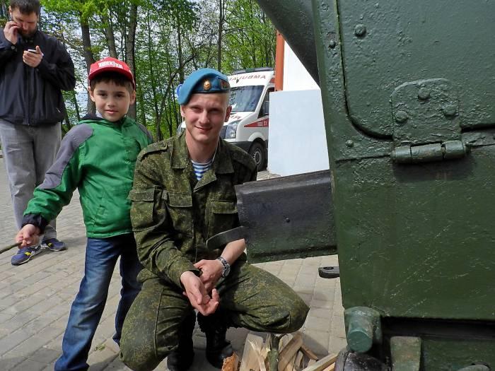 солдат полевая кухня