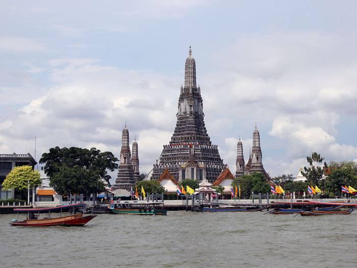 Храм Ват Арун в Бангкоке. Фото ru.wikipedia.org